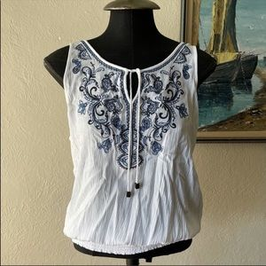 Maurices white and blue embroidered crepe tank L